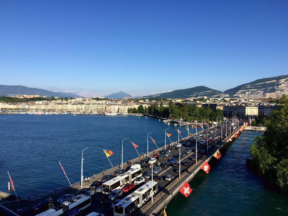 The  Pont du Mont-Blanc  (Mont Blanc Bridge) traverses the lake and connects two sides of the city. Its lined with alternating flags of Geneva and Switzerland, which are sometimes substituted for alternative flags during important events or festivals.