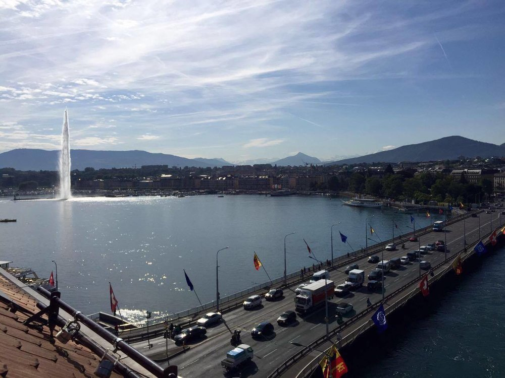 "The  Jet d'Eau  (left) is large vertical water fountain at the point of intersection between  Lake Geneva  and the                         Normal   0         10 pt   0   2     false   false   false     EN-US   ZH-CN   X-NONE                                                       $([{£¥·'""〈《「『【〔〖〝﹙﹛﹝$(.[{£¥   !%),.:;>?]}¢¨°·ˇˉ―‖'""…‰′″›℃∶、。〃〉》」』】〕〗〞︶︺︾﹀﹄﹚﹜﹞!""%'),.:;?]`