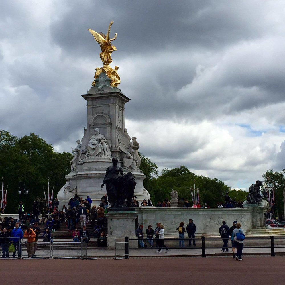 Across Buckingham Palace: the Victoria Memorial