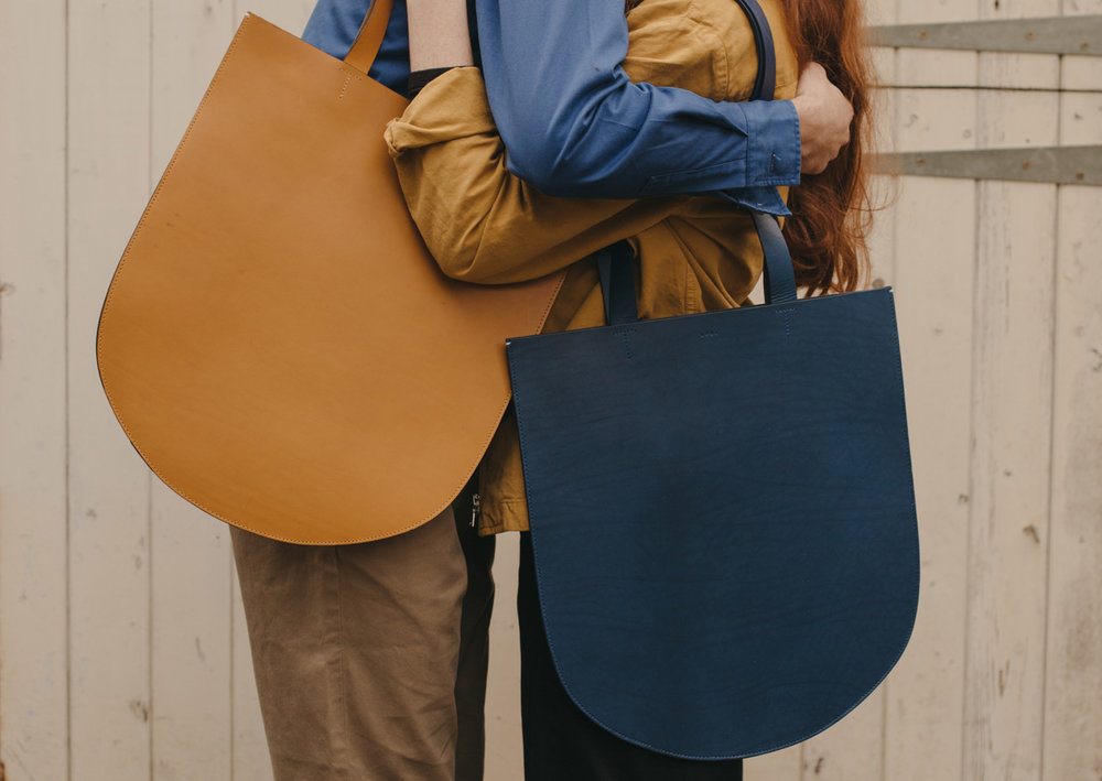 ARCH TOTE in peanut, black or natural.jpeg
