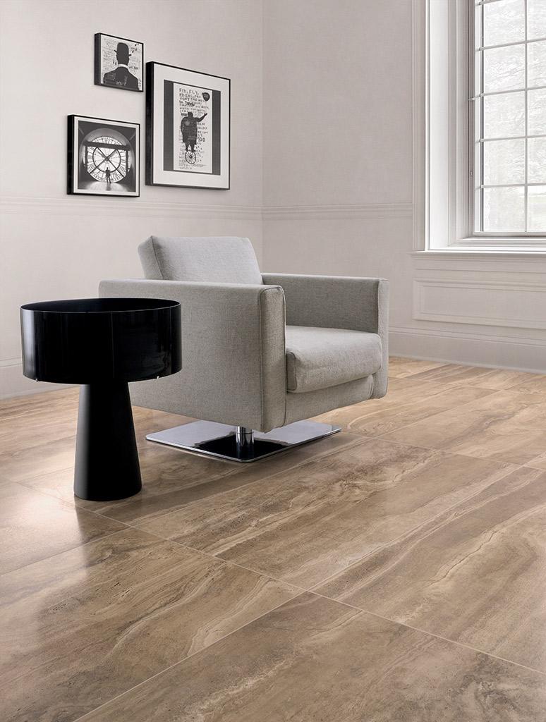 Pavimento-effetto-travertino_Ceramiche-Coem_Reverso_Noce-60x120.jpg