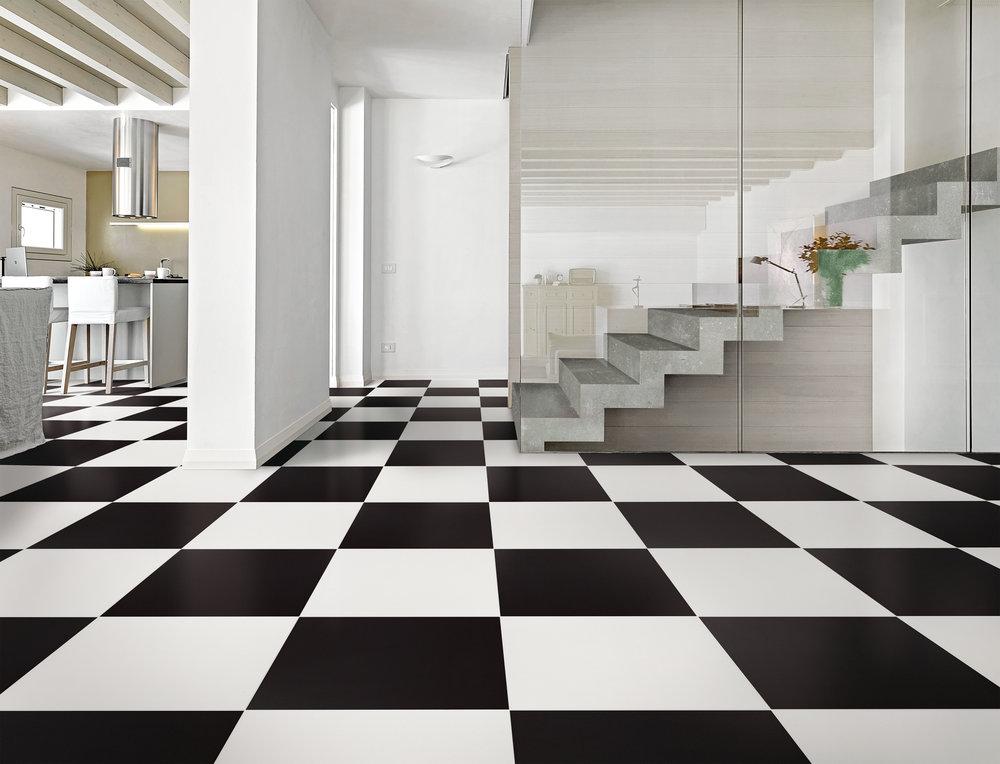 KLAVIER WHITE-KLAVIER BLACK_AMB.jpg