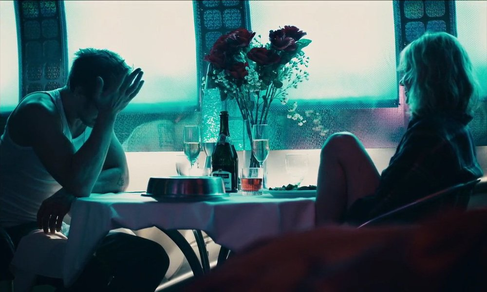 A much better dinner scene of relationship disintegration than the one in LA LA LAND!