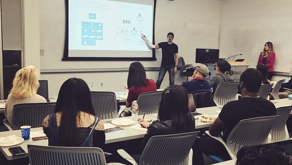 Senior UX Designer Daniel Sanchez shares portfolio pointers at the UT Dallas workshop.