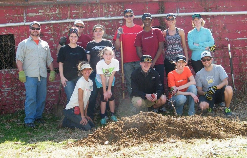 projekt202 volunteers dig in to help Eden's Garden, supporting the North Texas Food Bank.