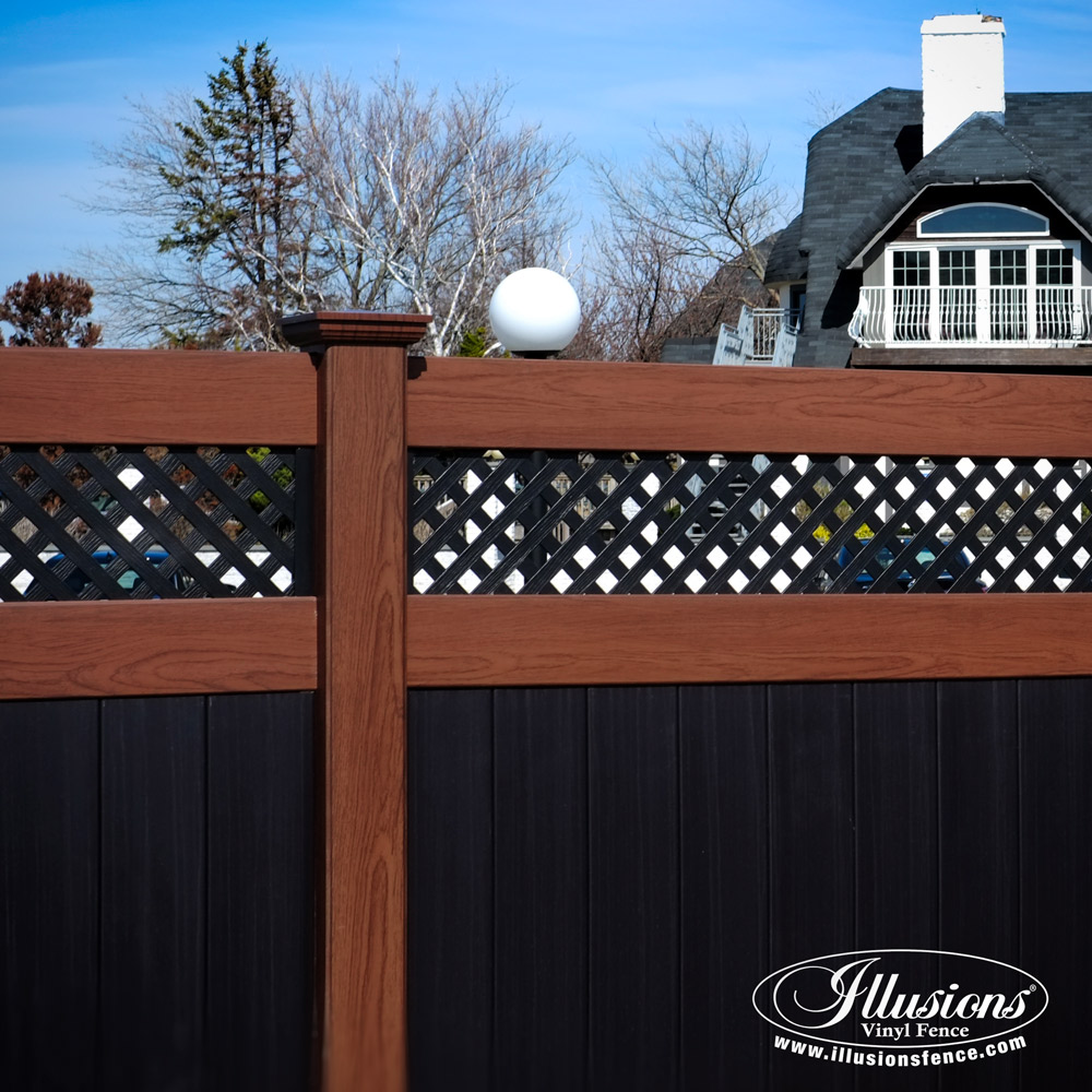 image ©  Illusions Vinyl Fence