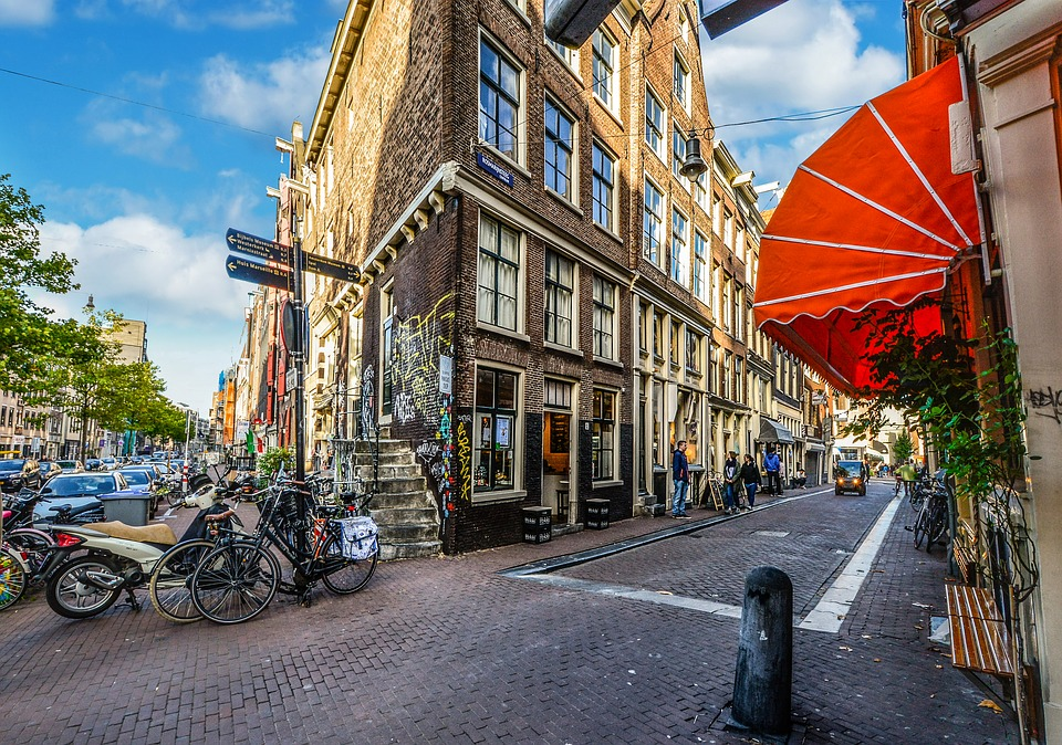 amsterdam-urban-neighbourhood
