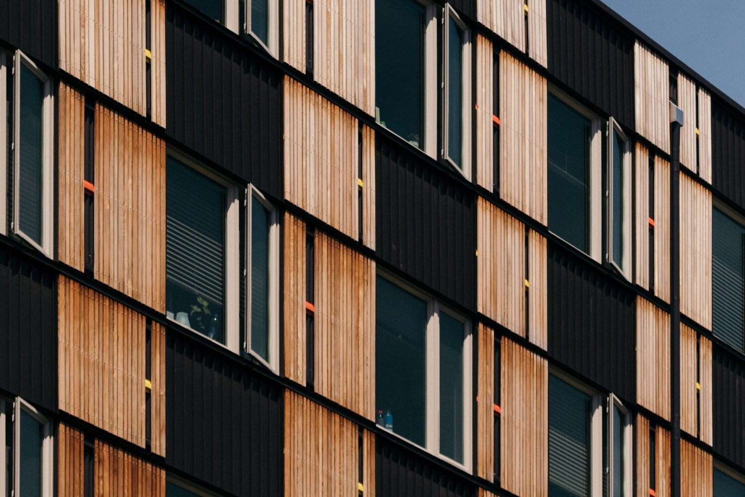 Four Ways Shipping Container Buildings Can Change Urban