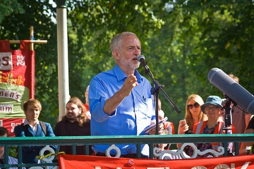 corbyn crowd.jpg