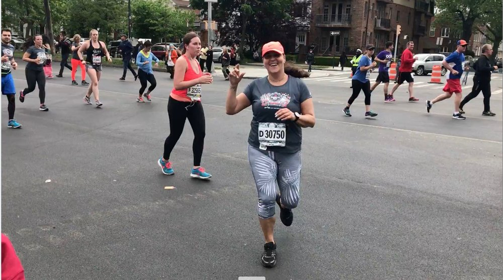 Philippa seeing Jessica while running Brooklyn Half 2017