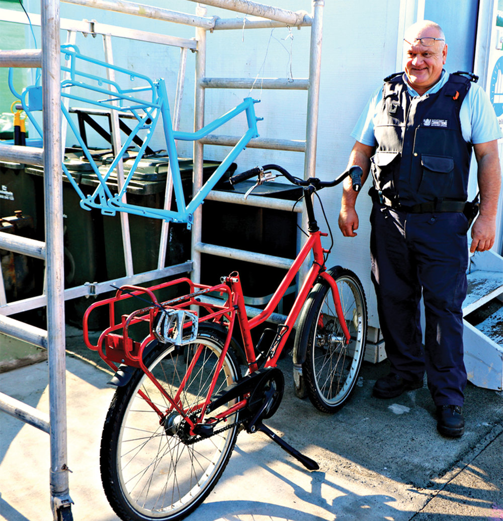 POSTIE BIKE UPCYCLING - BEFORE...