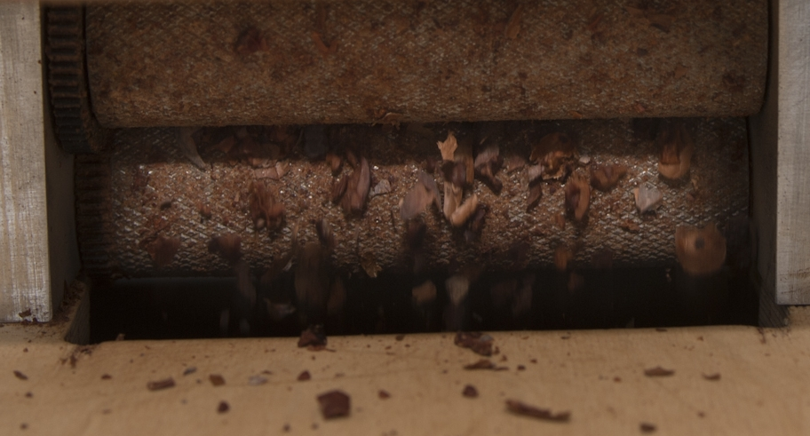 Garçoa bean to bar chocolate production - Cracking the cocoa beans.jpg