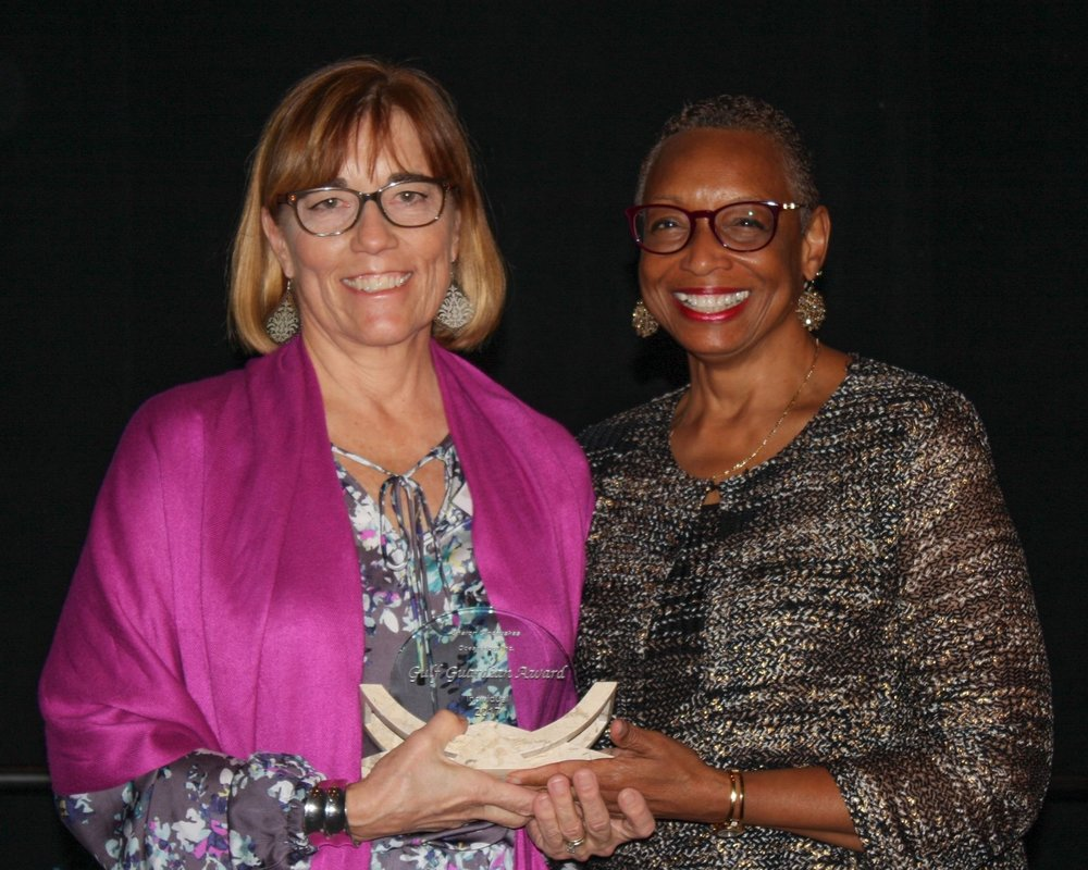 - Anne Heard, EPA deputy Atlanta Regional Administrator presenting Sharon with the 2nd Place Individual Award. More photos on the Galley page
