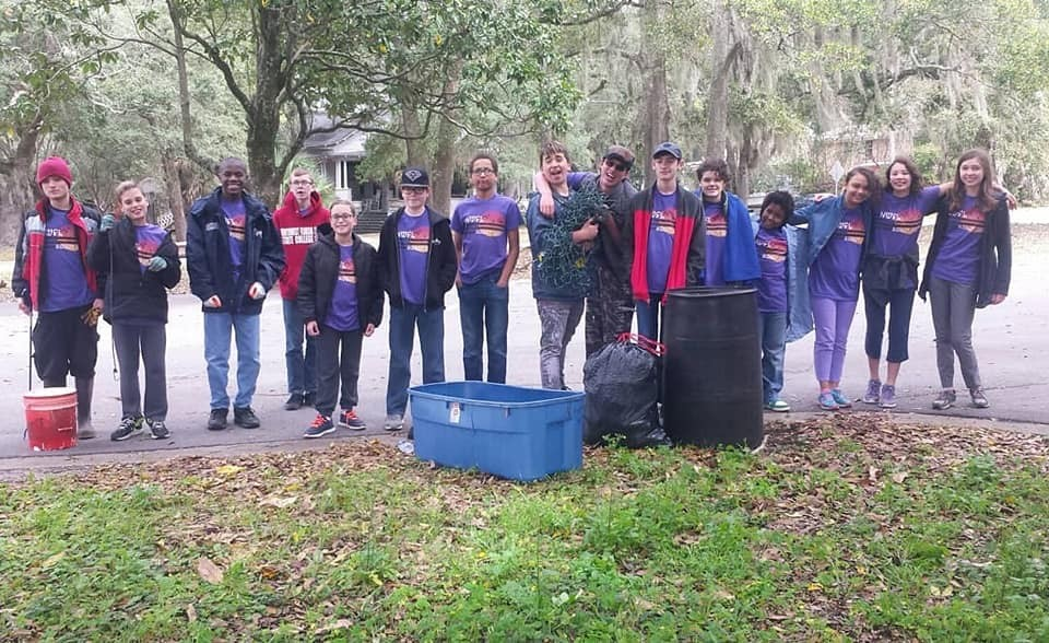 "- Andy picked up 147 lbs of ""stuff"" at Ft Pickens and 15 students collected 42 lbs at Payne Bridge over Bayou Texar. This brings our yearly total to 6,022 lbs - more than ALL of 2016!"