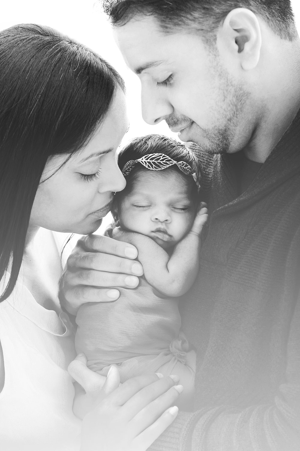 mom-dad-newborn-family-portrait.jpg