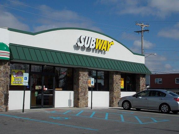1737-1739 Goucher St. Johnstown PA 15905 - New home to DRIVE THROUGH SUBWAY!