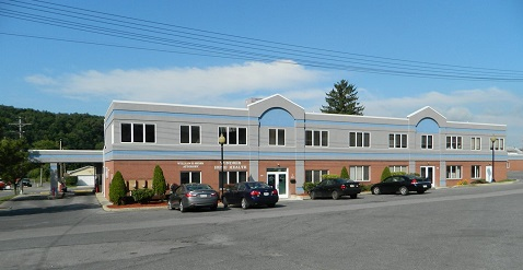 Park Place Professional Building  425 Park Place  Windber, Pa 15963   Lease Rate$800 per MonthPlus Utilities