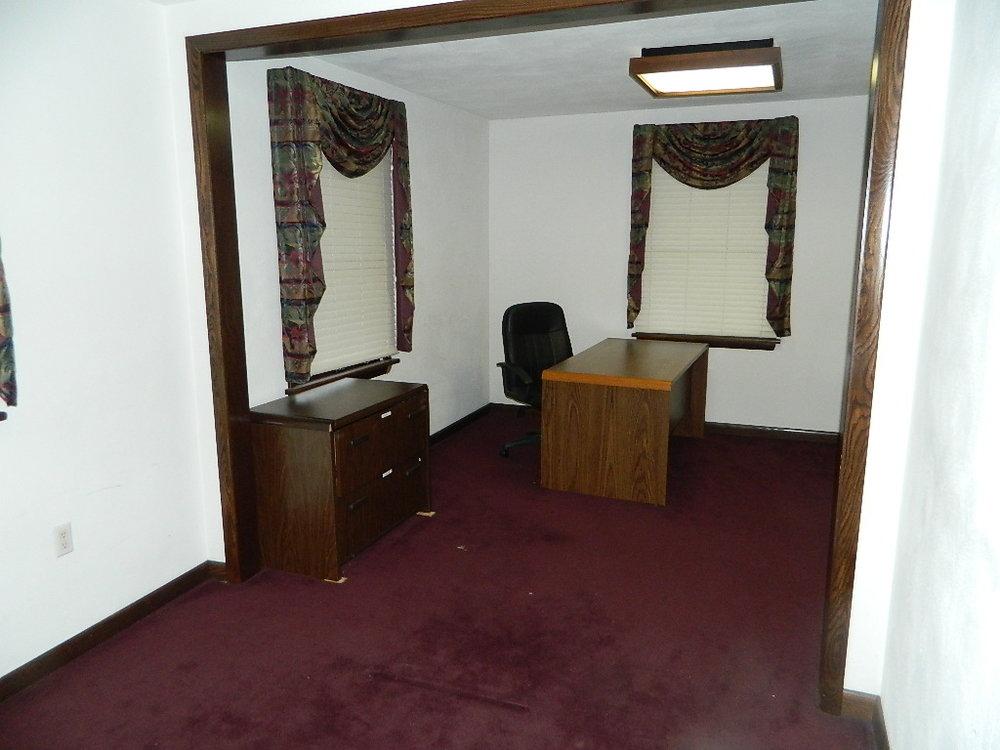 Interior of 554 Goucher Street (8).JPG