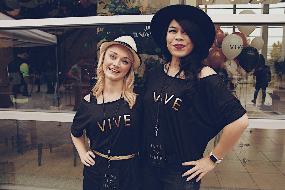 VIVE T-Shirts
