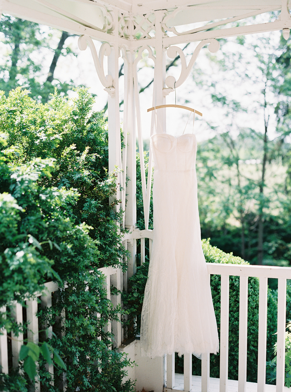 0005-When-He-Found-Her-Vineyard-Wedding-Style-Me-Pretty.jpg