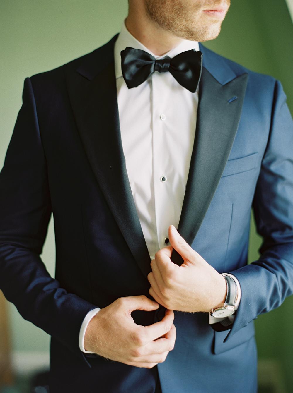 0008-When-He-Found-Her-Muskoka-JW Marriott-The Rosseau-shea-events-sweet-woodruff-canadian-resort-wedding.jpg