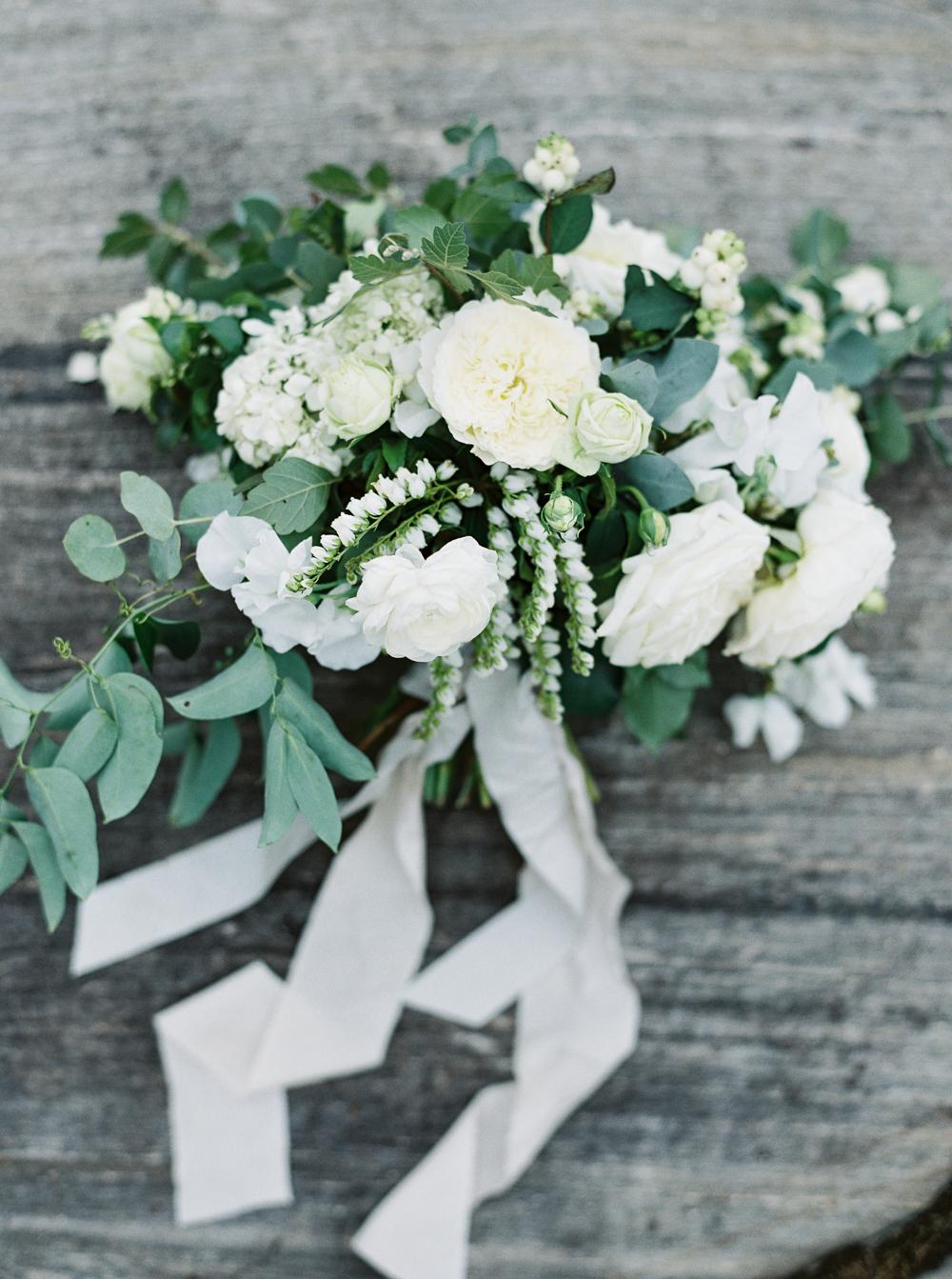0042-When-He-Found-Her-Muskoka-JW Marriott-The Rosseau-shea-events-sweet-woodruff-canadian-resort-wedding.jpg