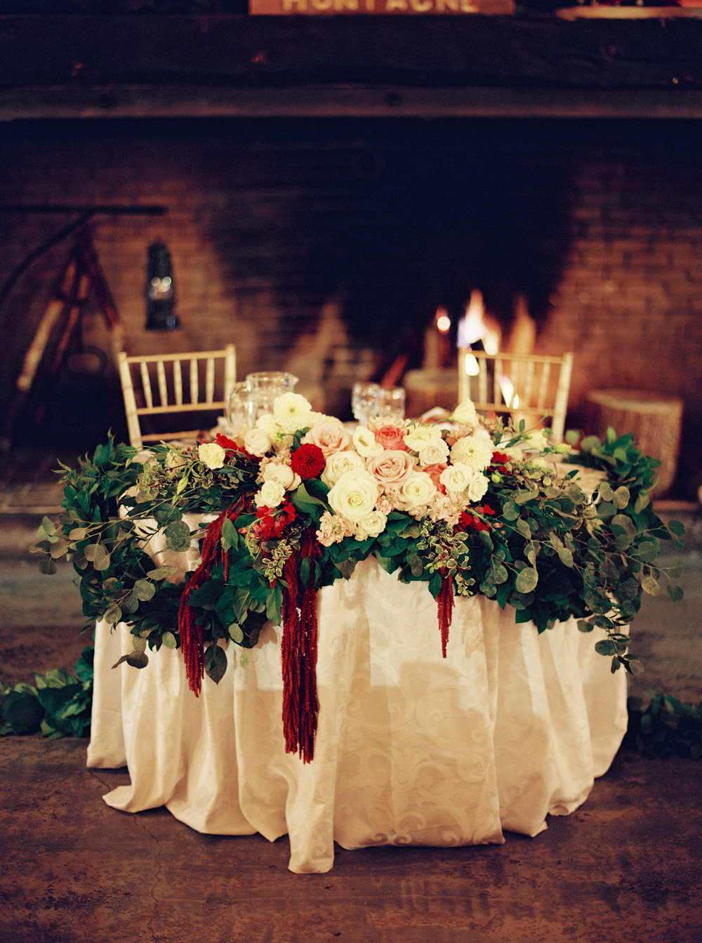 0122-WhenHeFoundHer-SugarShack-QuebecWedding-MagnoliaRouge.jpg