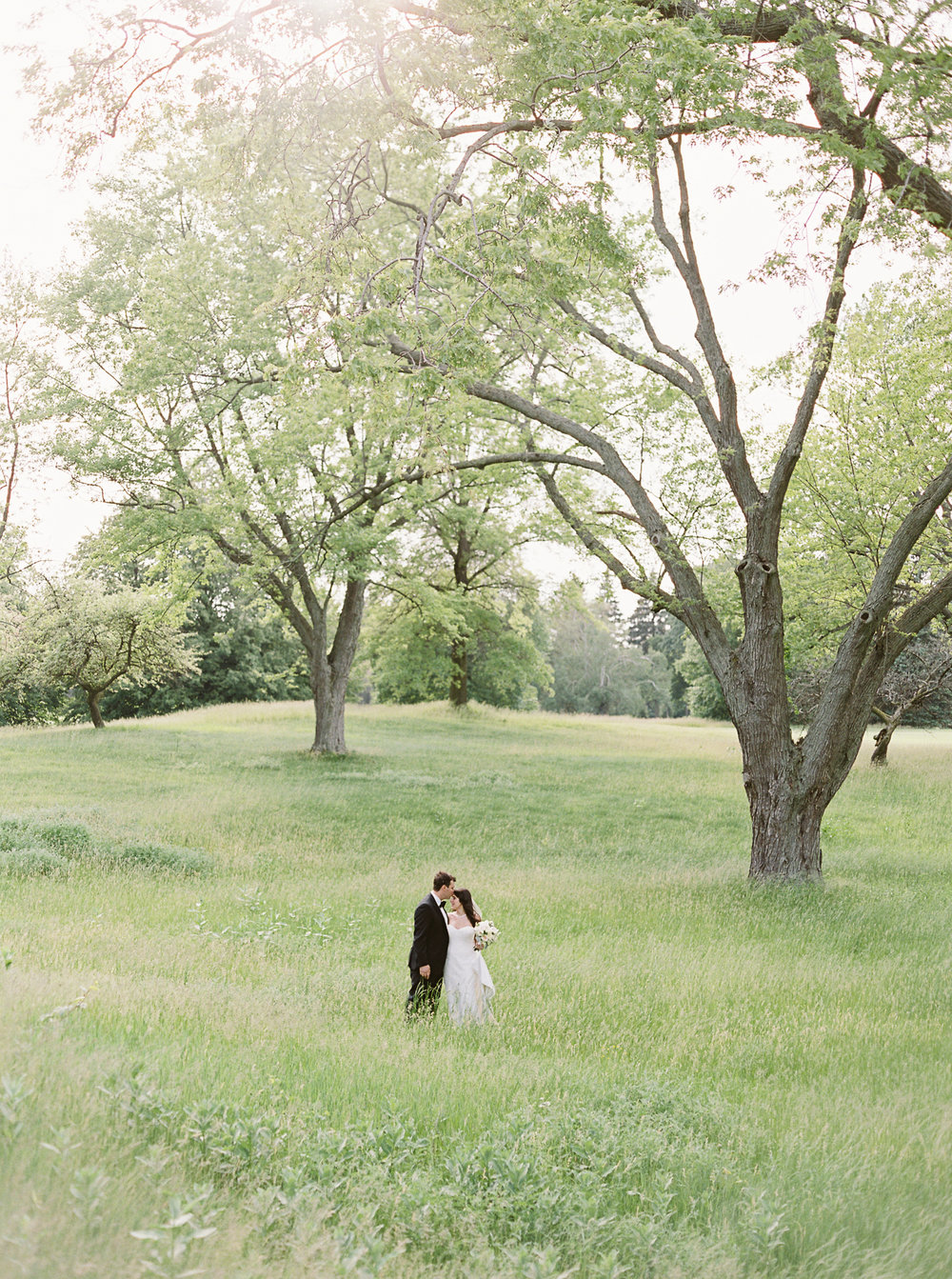 0333-Nadia-Chris-Married-When He Founf Her-Toronto Golf Club.jpg