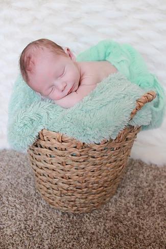 brodie7_artistix_newborns.png