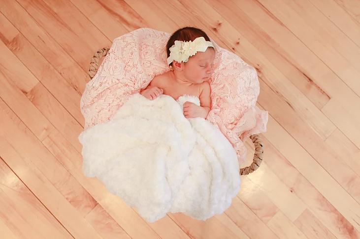 belle8 artistitx newborns.png