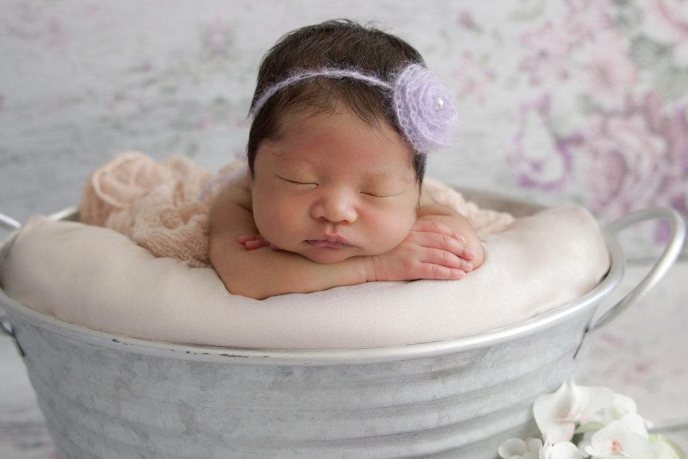 M {Newborn}-30.jpg