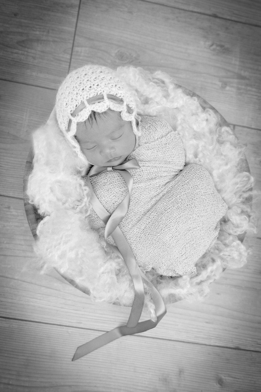 M {Newborn}-9.jpg