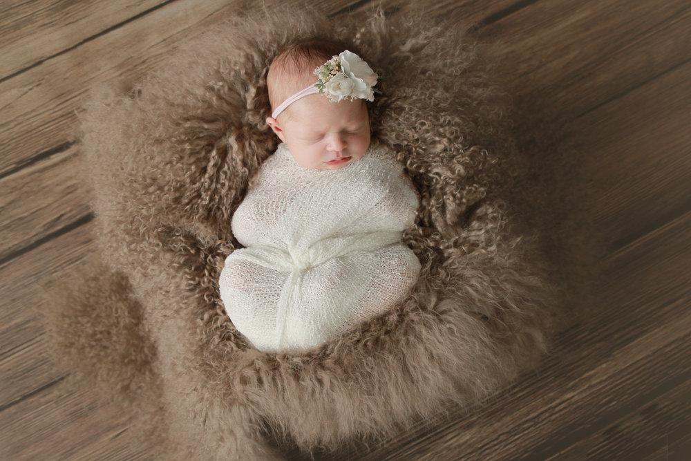 A {Newborn}-49.jpg