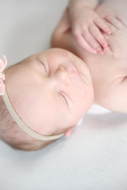 A {Newborn!}-67.jpg