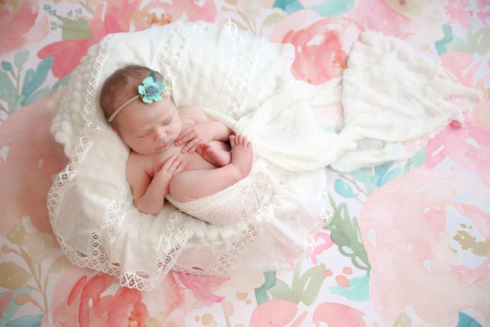 A {Newborn!}-53.jpg