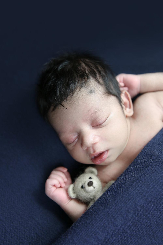 Darsh {Newborn!}-97.jpg