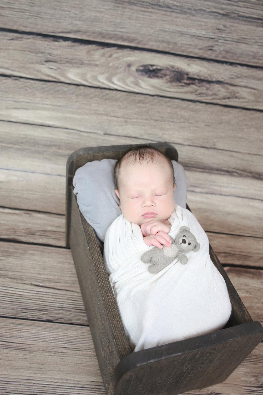 James {Newborn!}-19.jpg