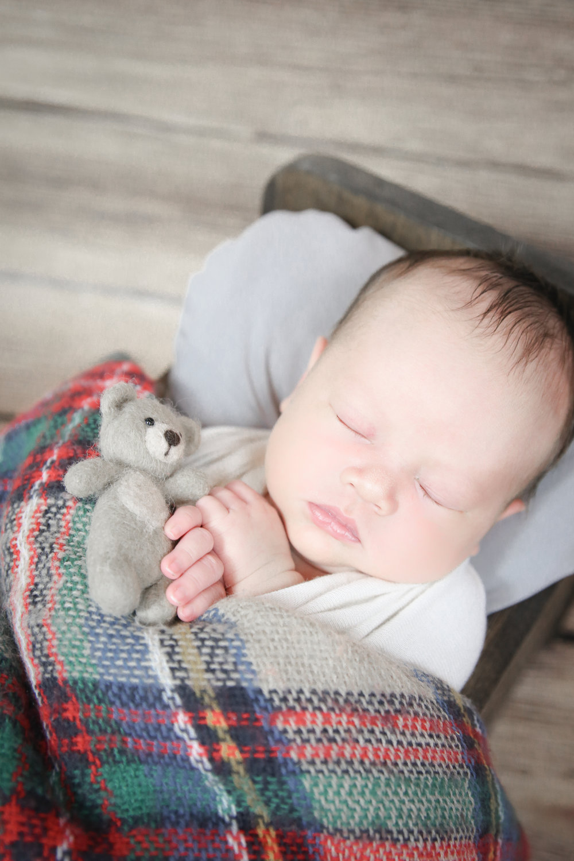 James {Newborn!}-15.jpg