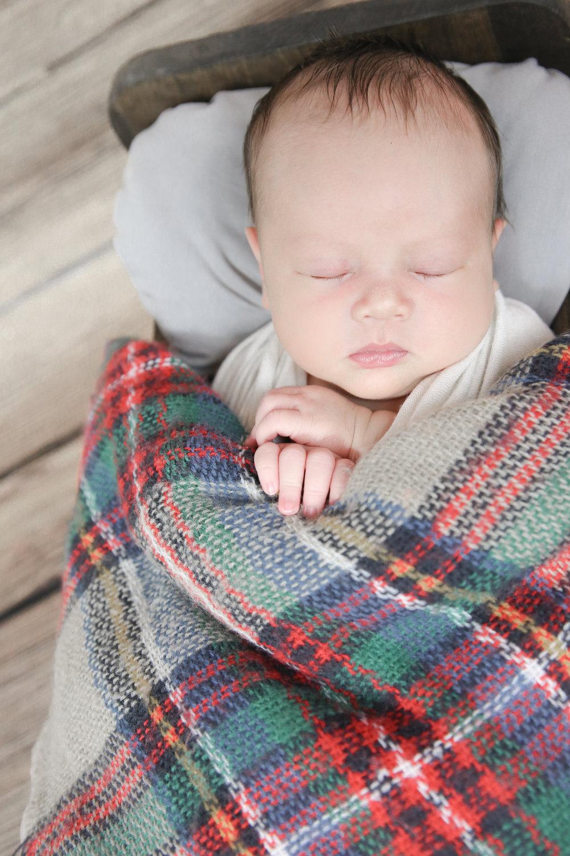 James {Newborn!}-13.jpg