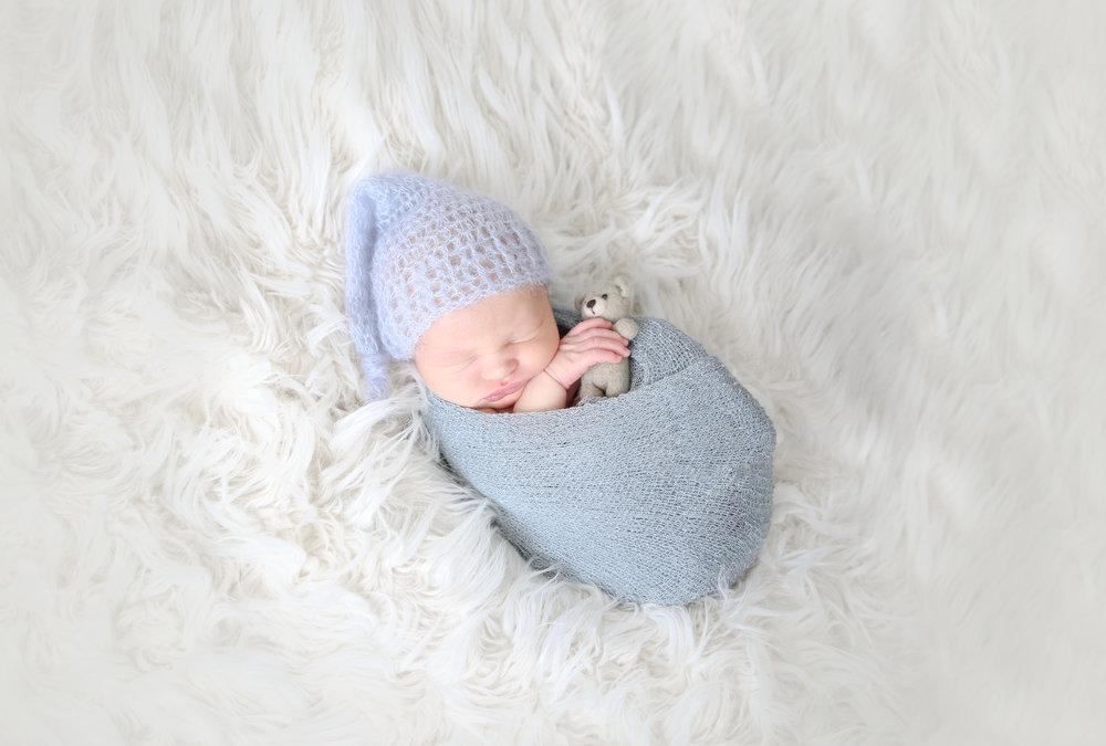B {Newborn!}-17.jpg