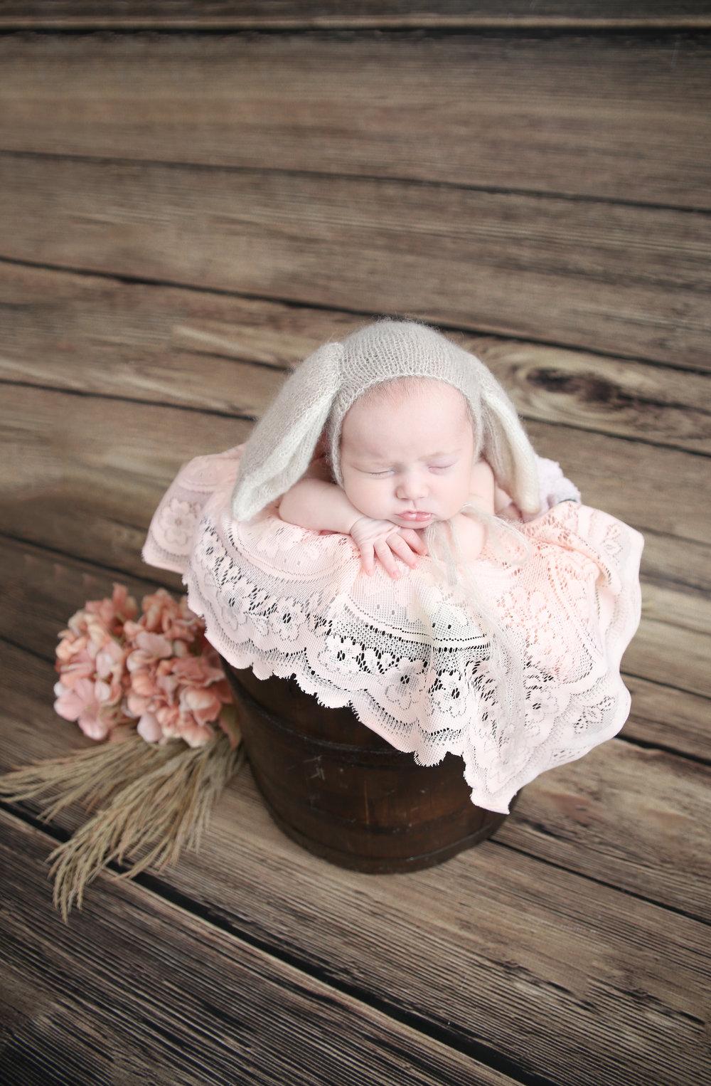 Delia Rose {Newborn!}-39.jpg