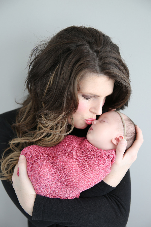 Delia Rose {Newborn!}-21.jpg