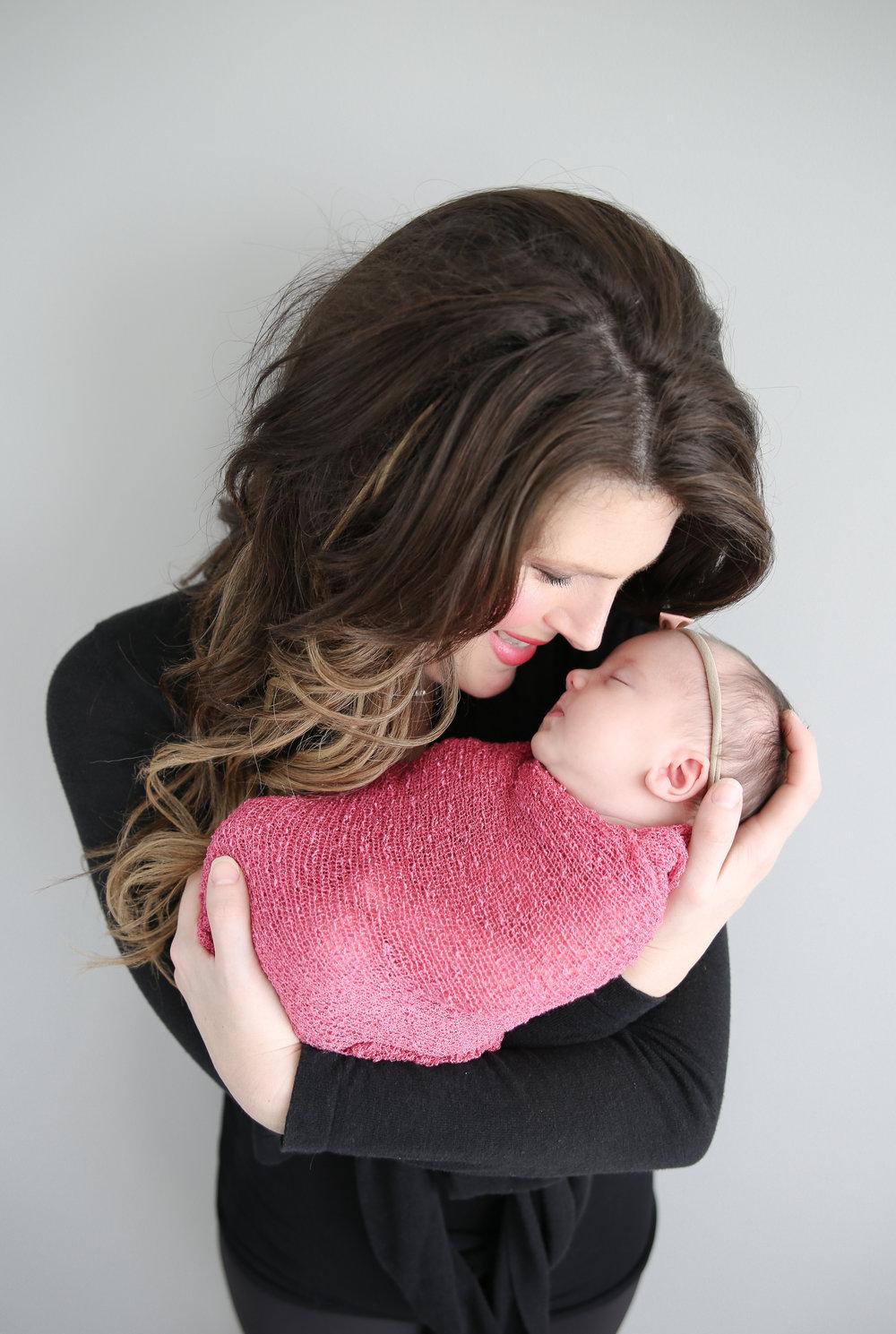 Delia Rose {Newborn!}-15.jpg