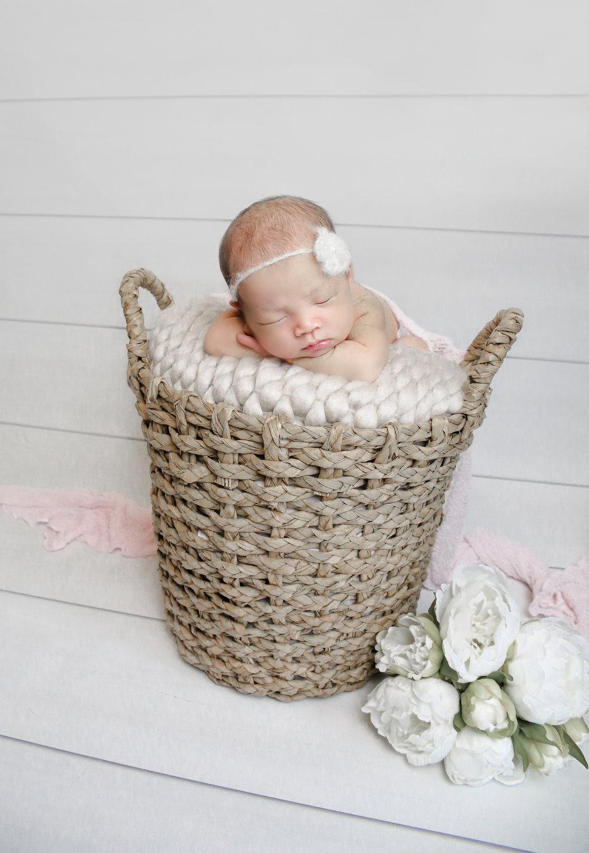 Ellie {Newborn!}-98.jpg