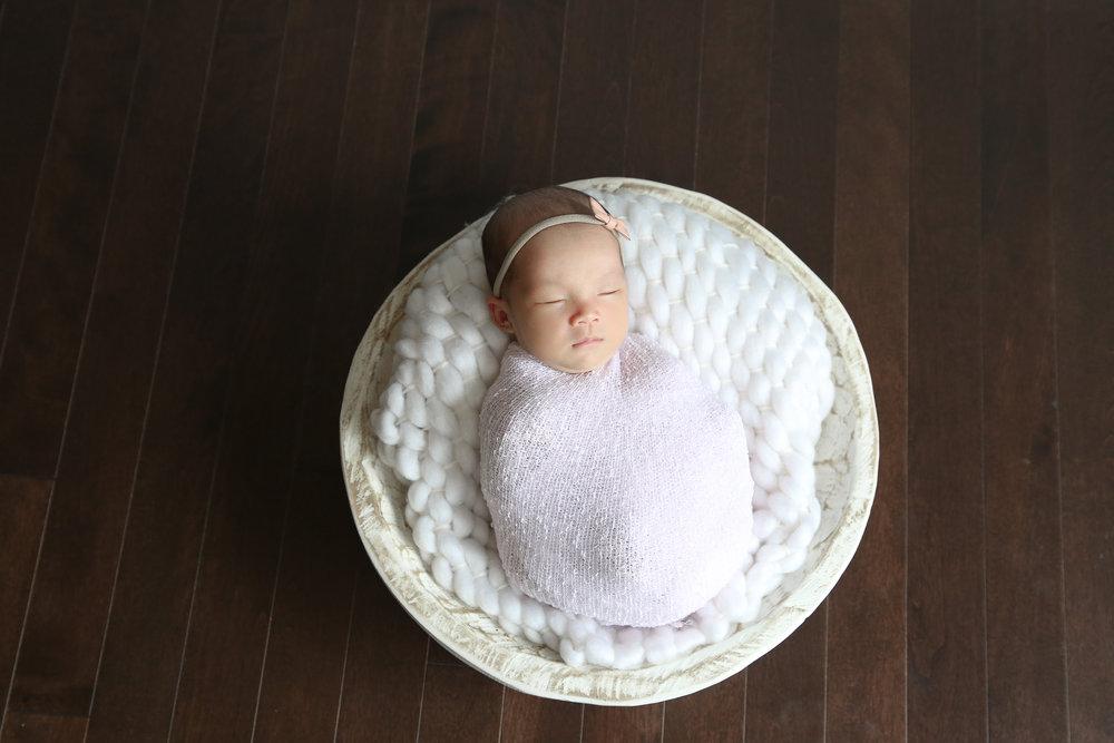 Ellie {Newborn!}-16.jpg