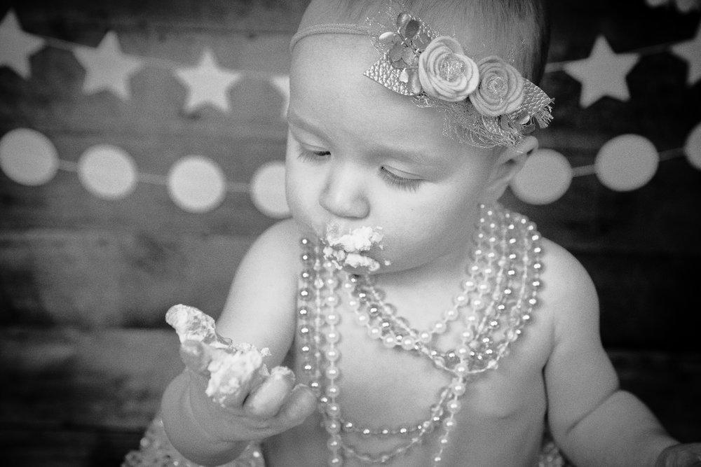 Gwen {CakeSmash!}_WEB-68.jpg