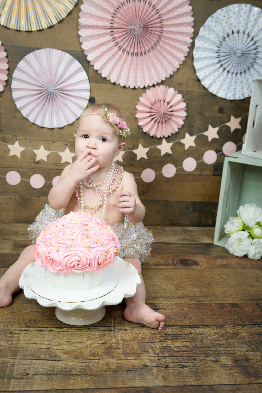 Gwen {CakeSmash!}_WEB-39.jpg