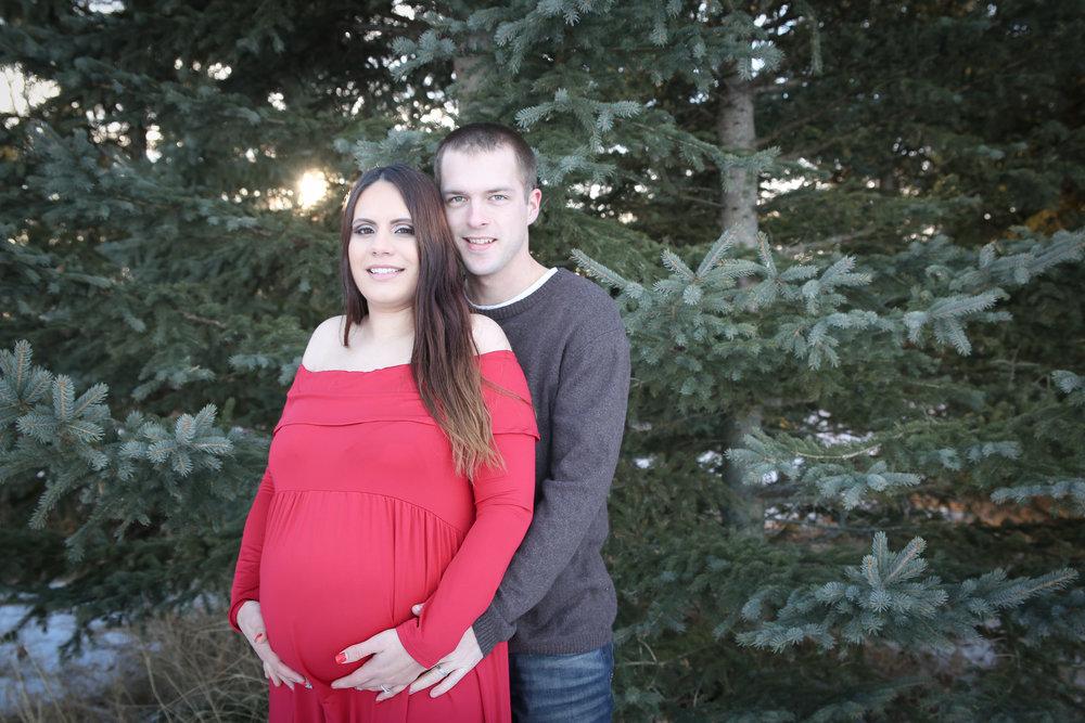 Lyndsi {Maternity!}-71.jpg