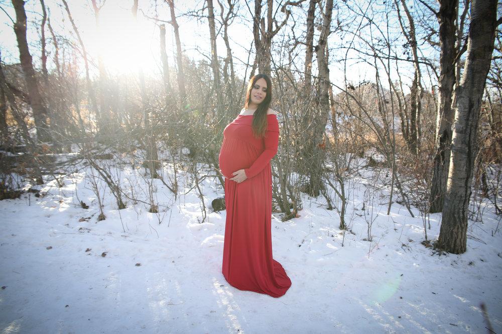 Lyndsi {Maternity!}-19.jpg