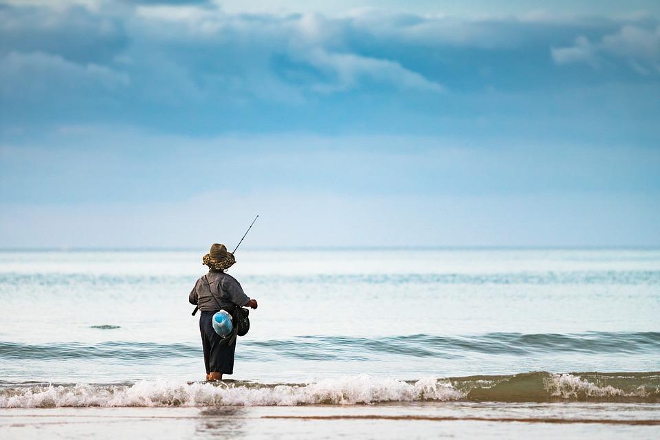 fisherman-2084346_960_720.jpg